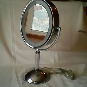 Revlon lighted make up mirror